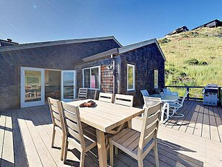 3BR w/ Breathtaking Ocean Views – Upscale Neighborhood, Short Walk to, Dillon Beach