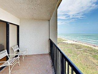 2BR Beachfront Condo w/ Gulf Views - Access to Pool & Hot Tub Unit 105
