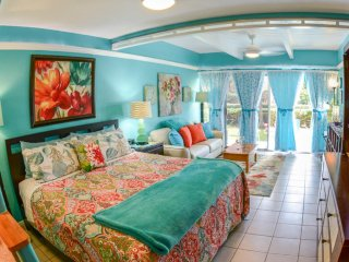 TRACY'S TROPICAL TREASURE #3 of 4: Studio (sleeps 4)! Voted #1 Rental in Maui