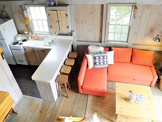 A VERY SPECIAL HOME FOR 6 VERY SPECIAL GUESTS IN NAUSET HEIGHTS!