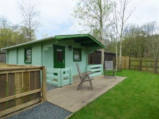 BURN LODGE, open plan, WIFI, delightful garden, Ref 961437