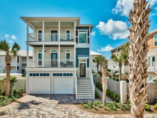 Blue Mermaid: Brand New! 5BR Luxurious Home Sleeps 14 Private Pool, Walk toBeach