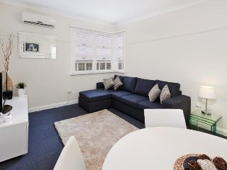 Your 'Pied-a-terre' CBD/Retail Precinct Apartment, Parramatta