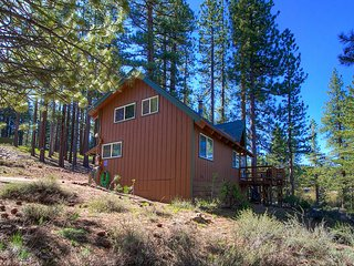 4 Bedrooms Absolutely Adorable Cabin ~ RA153898