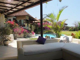 beautiful large staffed villa with views of the Indian Ocean