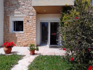 R91 Sunlit apartment just 30 meters away from sea