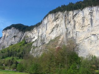Amazing balcony Staubbach Waterfall view 1BR Lauterbrunnen 3 star Noon Checkout!