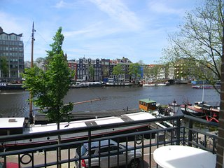 Amsterdam City Center Canal View Deluxe