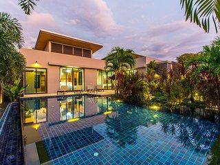 Thale villa - 3 bdr pool villa near Naiharn beach Phuket
