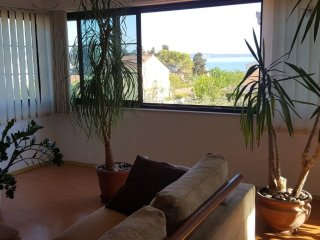 Modern Apt with sea view close to Trogir