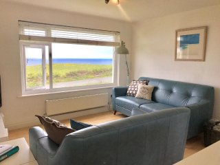 20% OFF REMAINING JUNE &  JULY BREAKS Coastline apartment 15, Whipsiderry, Porth