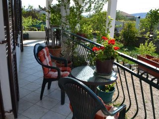 Comfortable Apt (B) for 6 walking distance to Trogir center