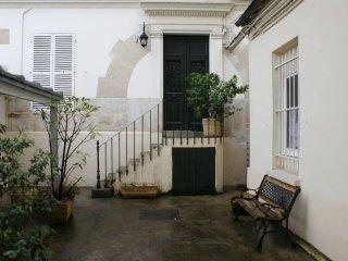 Une petite maison sur jardin en plein Paris!