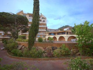 NICE APARTMENT POOL in TOSSA de MAR