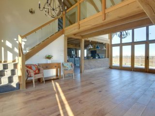 Churchlands Barn - Gorgeous, rural holiday home with a beautiful view of the
