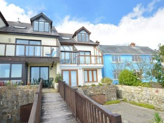 Penrose - Holiday home with sea view, at walking distance from the beach