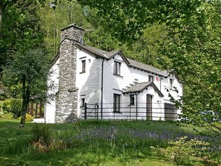 Braegarth - Cosy, rural home with table tennis table, a conservatory and a