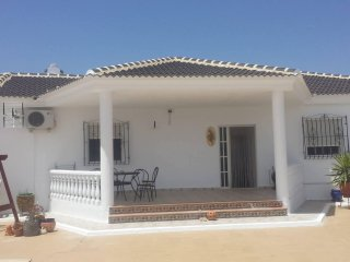 Holiday Villa with pool / jacuzzi, short walk to village with bars/restaurants