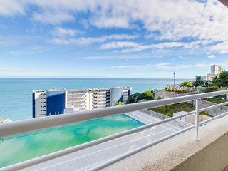Dog-friendly apartment with sweeping ocean views, shared pool/hot tub & gym!