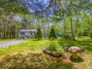 Dog-friendly cottage w/ lovely deck - walk to the ocean, two miles from Acadia!