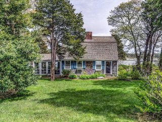 Charming waterfront cottage w/ views, fireplace, deck, & gas grill