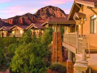 See the red rock mountains with Sedona!