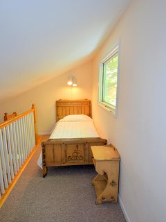 Private Loft in Master Bedroom with Twin Bed