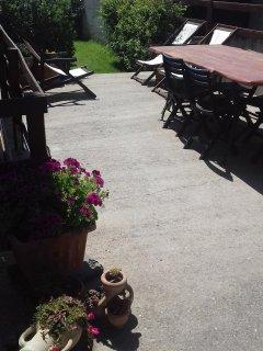 tavolo esterno con sdraio