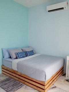 Bedroom 2 - Queen Bed (Shared Bathroom)