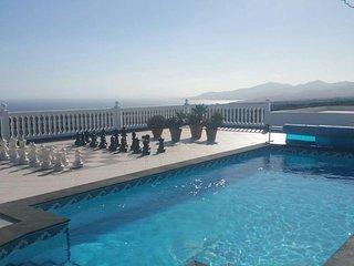 Tias, piscina,perfectas vistas, clima y lugar
