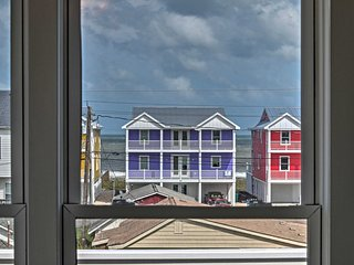 Kure Beach Townhome w/ Deck & Ocean Views!