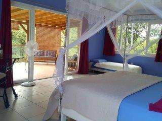 2 Grandes chambres d'hôtes de charmes piscine au Gosier / table d'hôtes Créole