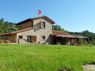 Bellissima villa in pietra con piscina nella campagna Toscana