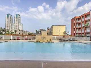 NEW! 2BR South Padre Condo - Beach & Pool Access!