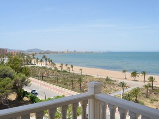 Apartment with sea views on 5th floor, free wifi, communal pool, balcony