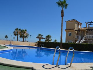 La Vista apartment, communal pool, free parking, free Wifi.