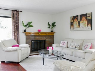 Gorgeous Comfortable Fremont Home 2BR 2BA