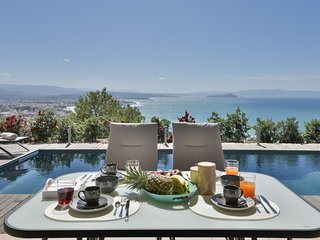 A modern-designed apartment with breath-taking, panoramic view and private pool, Chania Town