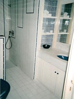Grande salle de bain avec 2 penderies Coin WC