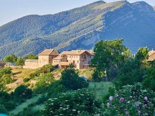 Casa Cuadrau: Yoga, Arte y Naturaleza, en Vio, Ordesa, Pirineos, Espana