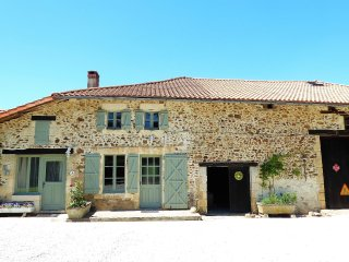 Lakeside, Charente cottage (Wisteria cottage)