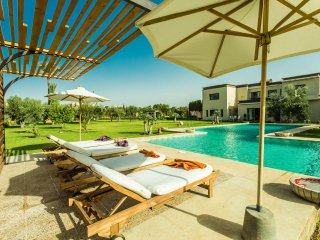 Exceptional 6,500m2 Villa with Swimming Pool, 20min from Marrakech