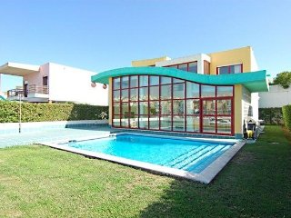 3 bedroom Villa Front Line Albufeira Marina