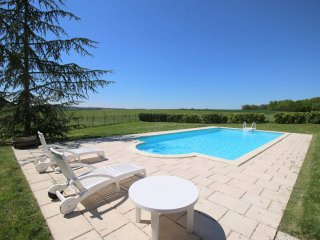 Holiday home/gite for 6 people with private swimming pool; Southern Charente, Brie-sous-Chalais