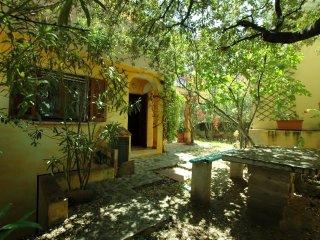 Sardinian-style Villa to rent in the beautiful north east coast of Sardinia