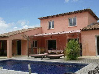 Puyricard - Child-friendly villa with outdoor kitchen and privacy near Aix-en-Provence (5 km)