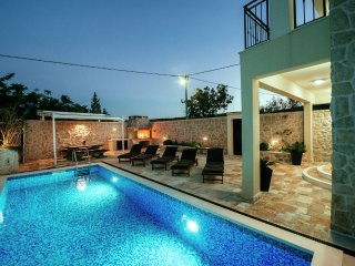 Castelo Coza - Attractive villa with pool 2 km from the sea,nice covered