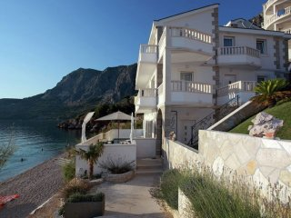Villa More - Beautiful villa with private pool right on the beach and sea view