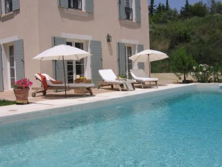 Bastide d'Or - Comfortable holiday home with large private pool in the Herault Valley