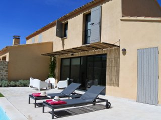 Villa Grenache - Magnificent villa with heated private pool in grounds walking